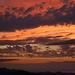Einige Minuten nach Sonnuntergang verfärbten sich die Wolken in allen warmen Farbvarianten.