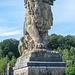 Le Lion de la Gileppe. Der Löwe auf der Dammkrone besteht aus 180 Blöcken und ist 300 Tonnen schwer. Gebaut 1878.