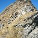 Grataufschwung zum Rot Nollen (2309m). Auch ohne Klettersteig-Drahtseile in einfacher Kraxelei zu meistern.