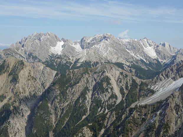 Berge der Lienzer Dolomiten etwas herangezoomt