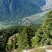 Rifugio Alp de Martum e il fondovalle con Lumino al centro della foto.