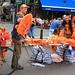 In der ganzen Stadt wurden Oranje-Fanartikel verkauft.
