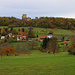 Der zu Leymen gehörende Weiler südlich vom Landskronberg (533m) mit der wuchtigen Burg auf den höchsten Punkt des Hügels.