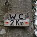 Lustiger Hinweis beim Rastplatz auf dem Brunneberg (875m).