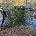 Die Ruine Engenstein liegt auf einem Felskopf, bietet aber nur eine Fläche für ein grösseres Haus. Das auf dem Foto sichtbare Loch diente als Keller. Erbaut wurde Engenstein, auch als Alt Schlaberg bekannt, vermutlich durch die Schaler im ersten Viertel des 13.Jahrhunderts. Diese Ruine ging zusammen mit der Burg Schalberg an die Grafen von Thierstein über (als Bischöfliches Lehen), als das Geschlecht der Schaler im 14.Jahrhundert ausstarb.