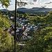 ... dem Wanderparkplatz oberhalb des Örtchens Bruchweiler-Bärenbach, auf das wir hier kurz vor Ende der Wanderung herabschauen.