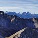Blick vom Gipfel in Richtung Wetterstein. So oft gesehen und trotzdem einmalig heute.