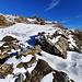 Le long du bisse de Tschajetu.<br /><br />A gauche, la prise d'eau. A droite, le bisse sous la glace.