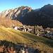 <b>Menzonio (731 m), frazione di Lavizzara.<br />Lasciata l'auto all'inizio del paese, imbocco il sentiero che poco prima del lavatoio sale a sinistra sui prati, in direzione nord.</b>