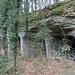 Im Sandsteinbruch reiht sich Höhle an Höhle.