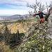Nächste Wegkurve, nächste Felsgrat-Nase, nächster Bestieg von oben: wir sind am Lochfelsen.