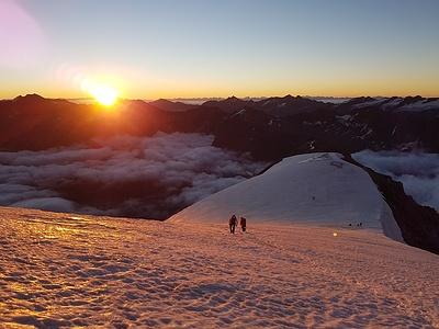 Sonnenaufgang am Ersten Eisfeld auf ca. 3500m