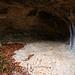 Birsmatten-Basisgrotte (340m):<br /><br />Der Amateurarchäologe Carl Lüdin entdeckte 1940 in der kleinen Höhle erste Silexartefakte. Im Geheimen grub er in den folgenden Jahren weiter und stiess 1944 auf menschliche Knochen. Erst 1953 gab er diesen Fund und 1955 schliesslich den Fundort bekannt. Darauf führte der damalige Professor für Urgeschichte, Hans-Georg Bandi, eine grössere Grabung durch. Die Auswertung zeigte, dass hier mittel- bis jungsteinzeitliche Schichten aus der Zeit vor 9500 bis 6500  vorhanden waren. Eine Radiokarbondatierung der Menschenknochen ergab 2013 ein Alter von rund 8300 Jahre. Damit handelt es sich um das älteste, bislang in der Schweiz entdeckte Skelett. Die ausgegrabene Person war eine etwa 160 cm grosse Frau, die zwischen 40 und 45 verstorben ist. Der Gesundheitszustand der Frau war nicht besonders gut welche in jugen Jahren Mangelernährung hatte und später Arthrose hatte. Dazu kam starker Kariesbefall und zwei Kopfverletzungen. Gestorben ist die Frau wohl an einem grossen, eitrigen Abszess, der einen Teil des Kieferknochens schwer geschädigt hat.