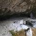 Die Wachtfelshöhle liegt im oberen Teil der Felswand westlich von Grellingen. Sie ist eine mächtige Halbhöhle und prähistorisch noch kaum erforscht.
