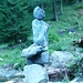 Steinfrau auf dem Weg von der Capanna Bovarina nach Campo Blenio