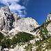 Im Aufstieg Okrešlj und Savinjsko sedlo - Wir schlängeln uns der nächsten Steilstufe entgegen, die bald unter den östlichen Abbrüchen der Rinke überwunden wird (rechts der Billdmitte).