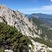 Savinjsko sedlo / Sanntaler Sattel - Ausblick. Links zu sehen ist die Velika (Koroška) Baba, die wir später noch besuchen.