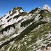 Jezersko sedlo / Seeländer Sattel - Ausblick, ein Stück südlich des Sattels, zum Ledinski vrh, den wir nun besuchen.