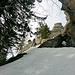 Treppe zum Gipfel mit Aussicht