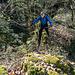 Anfänglicher Kampf mit Brombeer-Schlingen auf losem Schutt ist bald gemeistert und weiterhin herzhaft botanisch (aber ohne Fallstricke) geht es nun ...