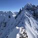 Aussicht vom Gipfel nach SE über den Bütlassasattel zum Gspaltenhorn mit Rote Zend, Bösem Tritt, abgründiger NE-Wand und E-Grat, sowie zum Tschingelspitz mit W-Grat und N-Wand, dazwischen u.a. das Schinhorn