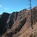 Die Alphütte von Cà in der steilen Peloso-SE-Flanke