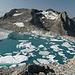 L'incredibile laghetto con gli icebergs formatosi dalle acque di scioglimento del Chüebodengletscher