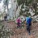 nach dem Abzweig auf 860 m und dem überwachsenden ehemaligen Forstweg wird das Gelände hier felsiger