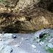 eine der vielen Höhlen
