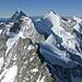 Wellenkuppe & Ober Gabelhorn vom Rothorngrat des Zinalrothorns gesehen.