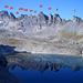 Ein Bild ohne Wolken vom Herbst 2006: Lavatinahörner - die zwölf Felszacken durchnummeriert