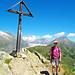 Und eine Holländerin auch! Vor dem Aletschgletscher kann man den Gratweg vom Blausee zur Riederfurka sehen.