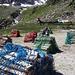 Brennholz liegt bereit zum Lufttransport zur Rotondohütte (Bild von Stefan)