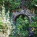 Torbogen der Ruine Limburg