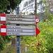 Al Foro Francescano prendo a destra seguendo queste indicazioni.<br />Il primo riferimento è la Grotta del Boldrino
