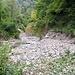 Scolo di ghiaia all'imbocco del sentiero che sale alla Bocchetta di Palanzo
