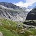 Kurz hinter der Hütte Tré La Tête gehts hinein in den tiefen Gletschertrog