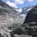 Hier gehts lang. Tief in den Felsen eingeschliffen hat sich der Glacier deTré la Tête.