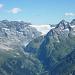Blick vom Gipfel gegen Nordosten mit Schärhorn, Hüfifirn und Gross Düssi