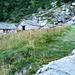 Alpe Stüell 1910m - das Rifugio rechts mit dem isolierten Giebel