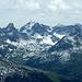 Genau im Südosten die Valluga oberhalb St. Anton am Arlberg.