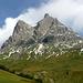 Anreise über den Hochtannbergpass - Lage checken; auf dem Widderstein liegt im oberen Bereich noch viel Schnee. Zu viel für [u Jackthepot]. <br />=> Neues Ziel....