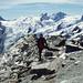 Am Piz Corvatsch Gipfel, links der Piz Roseg, in der Bildmitte Piz Sella, Piz Dschimels und Piz Glüschaint
