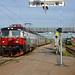 Langes Warten auf den Zug am Bahnhof Gällivare