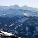 Die kürzlich besuchten Bleikenchopf und Haglere (angeschienene Schneefläche in der Bildmitte). Dahinter Eiger, Mönch und Jungfrau.