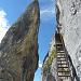 Stairway to heaven, daneben der 'Meilerstein'