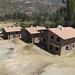 Le case in costruzione per le guide del Centro