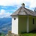 Die St.-Anton Kapelle steht aussichtsreich über Turtmann- und Rhônetal