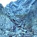 in der teilweise heiklen, vereisten Schlüsselstelle im Aufstieg zum Passo del Laghetto