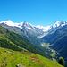 Phantastische Sicht kurz vor Barneuza Alpage. Links kann man wieder Gleitschirmflieger sehen